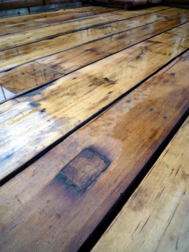 New York Salvaged Wood Green Deck