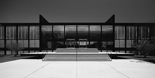 Mies Van Der Rohe's Crown Hall